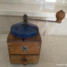 Antigüedades: ANTIGUO MOLINILLO DE CAFE FRANCES MADERA PEUGEOT. Lote 133630074