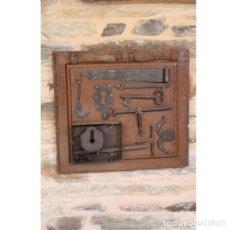 Antigüedades: ANTIGUA COMPOSICIÓN FORJA ARTE RÚSTICO. Lote 133631274