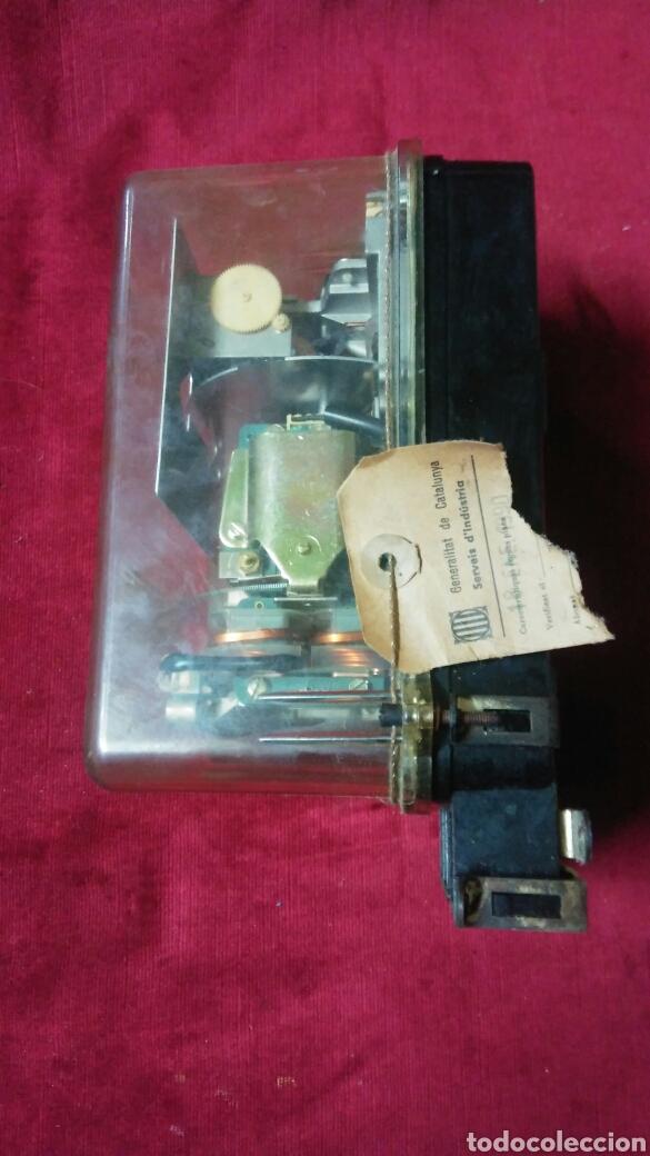Antigüedades: Antiguo contador de luz - Foto 2 - 133731209