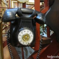 Teléfonos: TELÉFONO ANTIGUO DE PARED PARA COLGAR NEGRO DE DISCO TELEFÓNICA . Lote 133758374