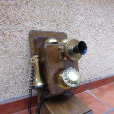 Teléfonos: TELÉFONO VINTAGE DE ORIGEN INGLÉS, FABRICADO EN MADERA Y METAL (BRONCE O LATÓN) SOBRE 1970.. Lote 161429930