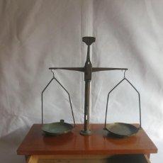 Antigüedades: BALANZA DE FARMACIA CARGA DE 50 GRAMOS. Lote 133847010