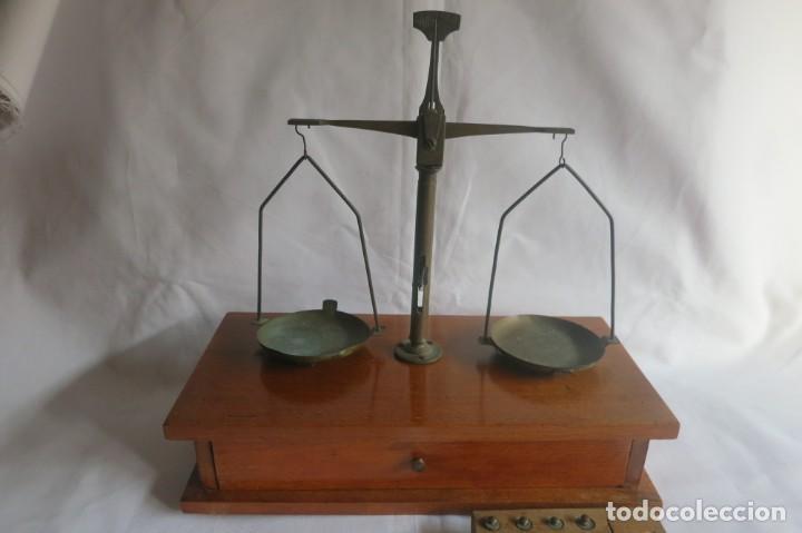 Antigüedades: balanza de farmacia carga de 50 gramos - Foto 4 - 133847010