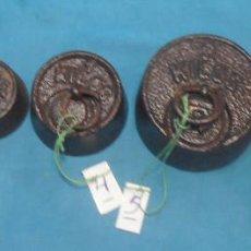 Antigüedades: 6 PESAS DE BALANZA ANTIGUA, DE HIERRO + UNA. Lote 133865074
