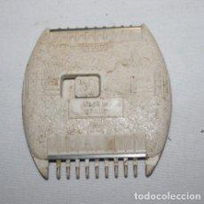 Antigüedades: DOBLE PEINE CON CUCHILLAS COMET LA ORIGINAL AÑOS 60 70. Lote 133870878