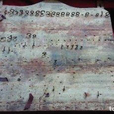 Antigüedades: ANTIGUA MADERA ARTESANAL PARA PONER HERRAMIENTAS.. Lote 133892466