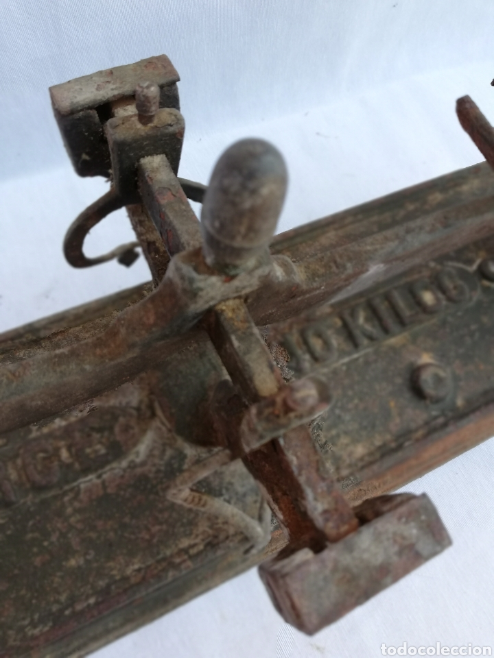 Antigüedades: ANTIGUA BALANZA 10 KGS. MARCA FORCE. SIN PLATOS. - Foto 7 - 133911298