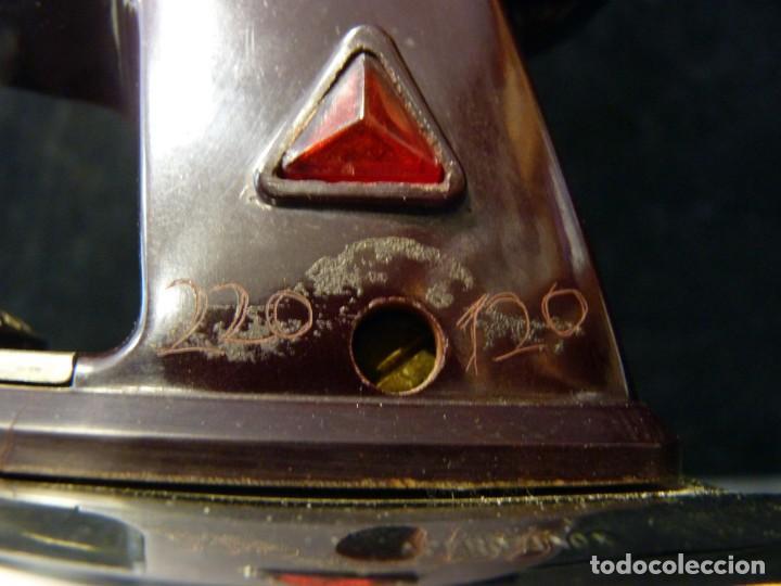 Antigüedades: ANTIGUA PLANCHA ELÉCTRICA MARCA FUEGO MOD.50. AÑOS 60 - Foto 4 - 133994878