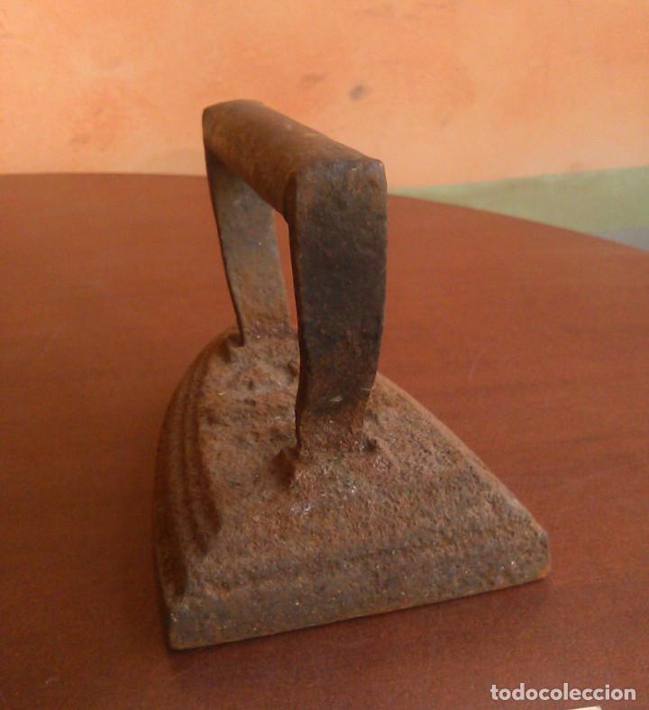 Antigüedades: Plancha de carbón antigua. - Foto 4 - 134096446