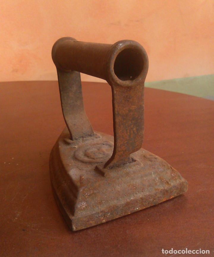 Antigüedades: Plancha de carbón antigua. - Foto 3 - 134096974