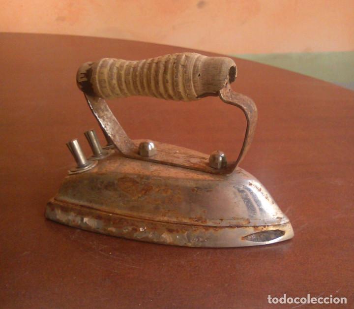 Antigüedades: Plancha eléctrica antigua. - Foto 2 - 134097222