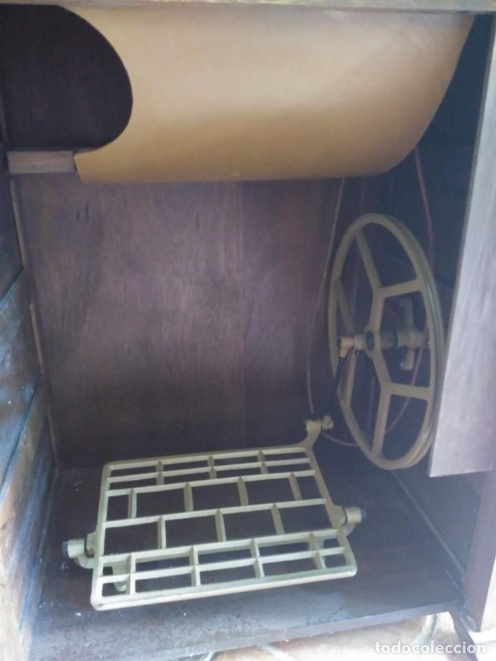 Antigüedades: Maquina de coser Alfa modelo 80 con mueble - Foto 5 - 134117310
