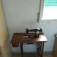 Antigüedades - Maquina de coser antigua Singer en buen estado - 134259282