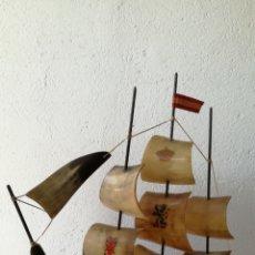 Antigüedades: BARCO VELERO ESPAÑOL DE CUERNO DE TORO. Lote 134391437
