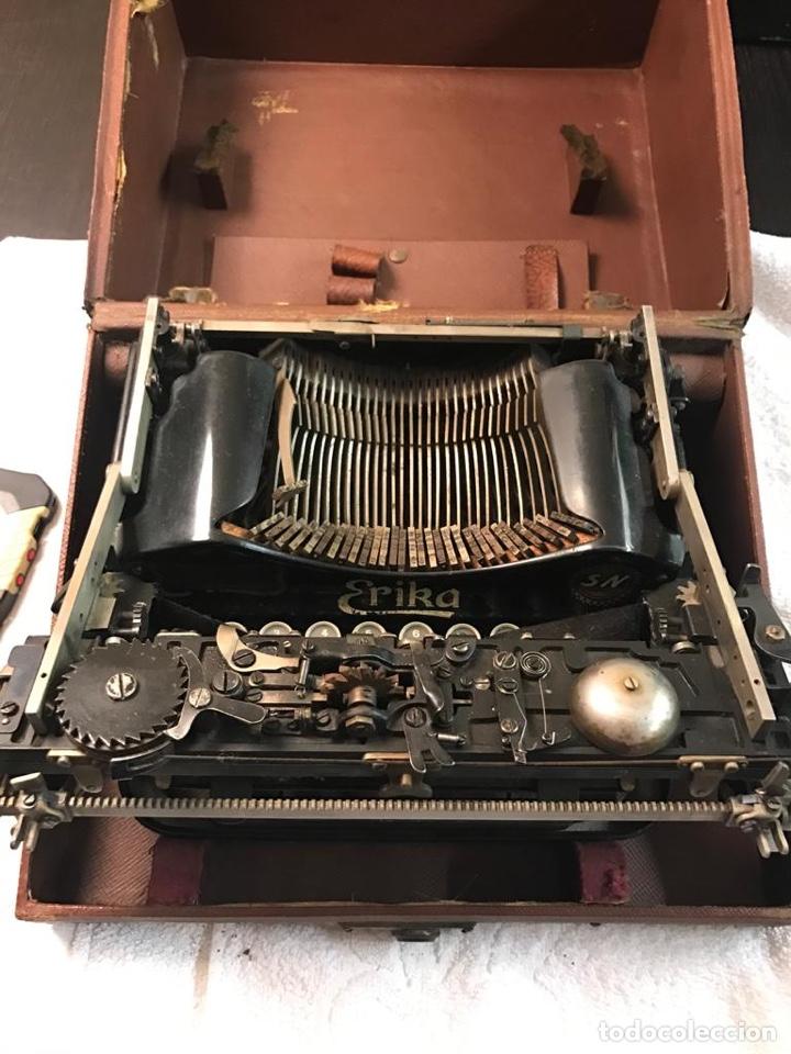 Antigüedades: Antigua máquina de escribir Erika - Foto 5 - 134433123