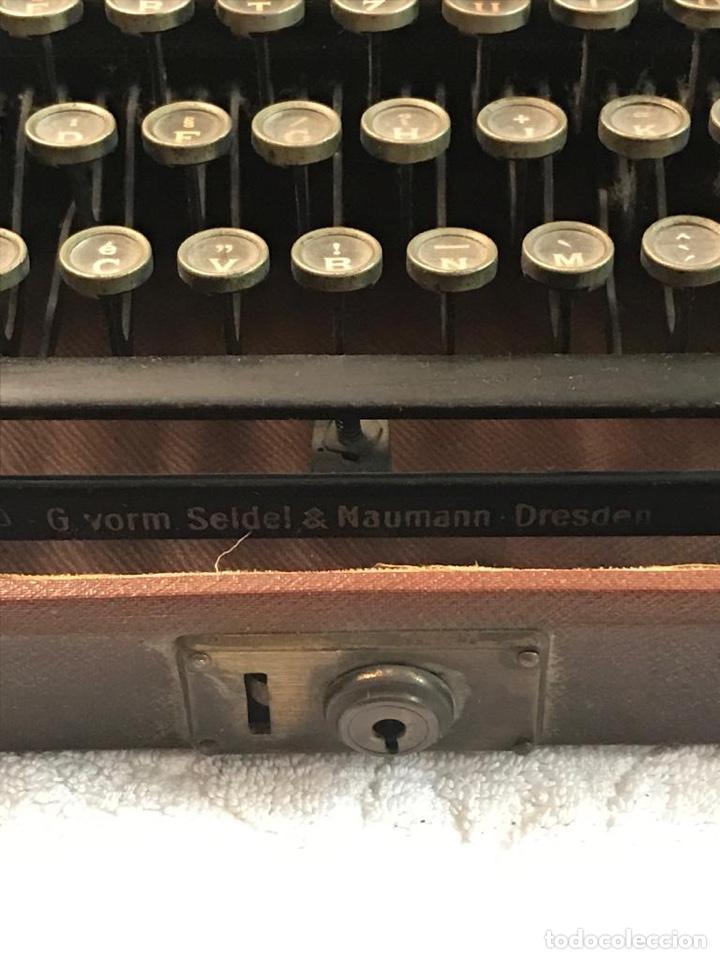 Antigüedades: Antigua máquina de escribir Erika - Foto 7 - 134433123