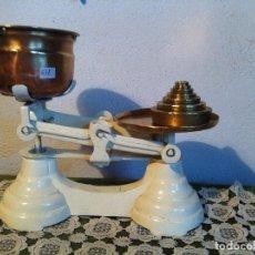 Antigüedades: PRECIOSA BALANZA INGLESA CON SU JUEGO DE PESAS (BI 07+PW17). Lote 134826066