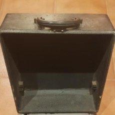 Antigüedades: MÁQUINA DE ESCRIBIR REMINGTON FUNCIONANDO CON CAJA. Lote 134923806