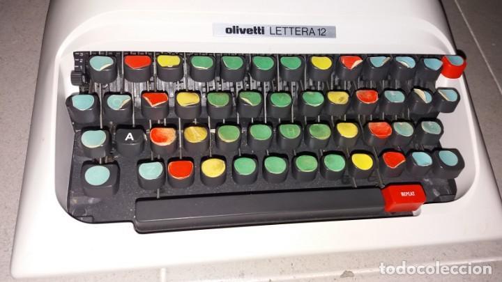 Antigüedades: Máquina de escribir OLIVETI lettera 12 spain en PERFECTO ESTADO maletín - Foto 5 - 135282910