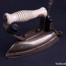 Antigüedades: PLANCHA ELECTRICA FUEGO Nº 18 AÑOS 60. Lote 135448654
