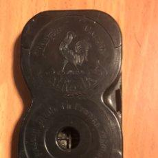 Antigüedades: CHASIS CARGADOR DE PELÍCULA DE CÁMARA PATHE BABY. Lote 135526230