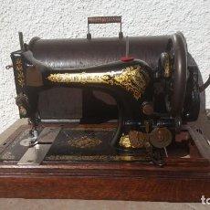 Antigüedades: MAQUINA DE COSER ANTIGUA SINGER 1913. Lote 135605210