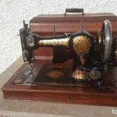 Antigüedades: MAQUINA DE COSER ANTIGUA JONES. Lote 135605878