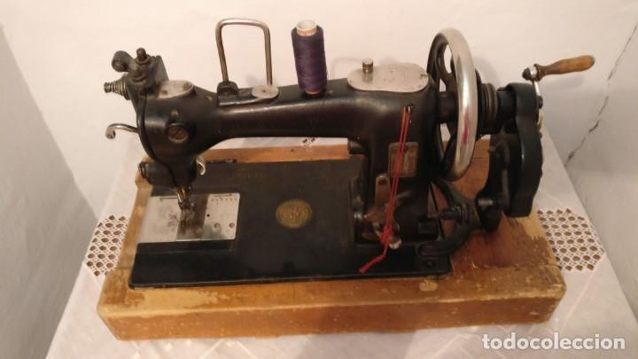 MÁQUINA DE COSER BIESOLT & LOCKE (Antigüedades - Técnicas - Máquinas de Coser Antiguas - Otras)