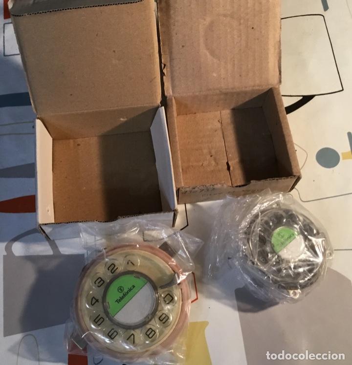 Teléfonos: Dos diales antiguos, nuevos, sin estrenar, para teléfonos de CTNE, la actual Telefónica - Foto 2 - 135759834
