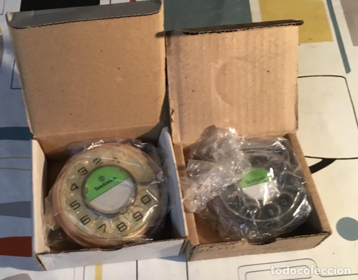 Teléfonos: Dos diales antiguos, nuevos, sin estrenar, para teléfonos de CTNE, la actual Telefónica - Foto 4 - 135759834