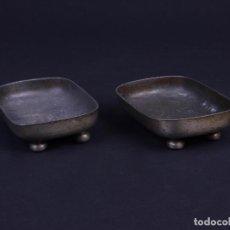 Antigüedades: BANDEJAS DE ESTAÑO PARA TENAZAS. Lote 135922022