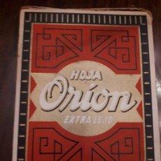 Antigüedades: CAJA EXPOSITORA 100 HOHAS DE AFEITAR ORION EXTRA LUJO. SIN ESTRENAR. BARBERÍA.. Lote 136087286