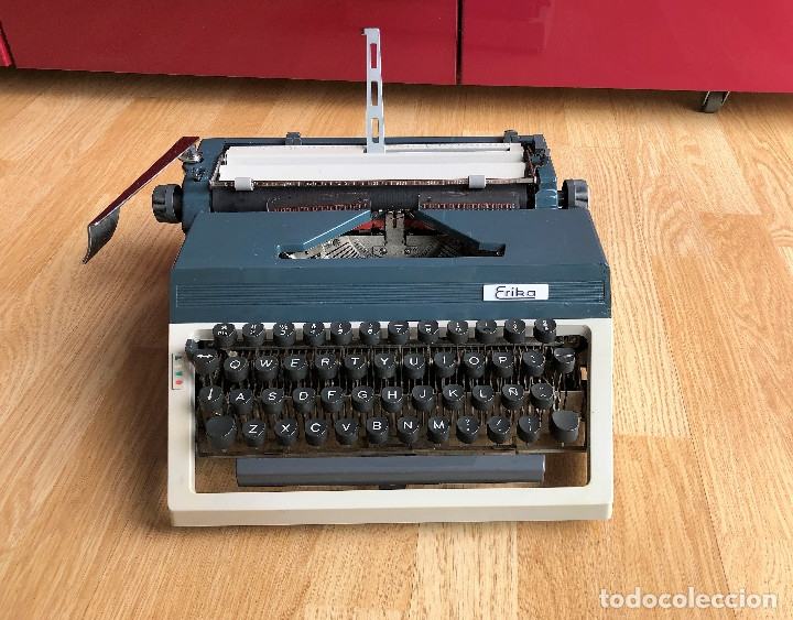 Antigüedades: Maquina de escribir Erika , con su Maletín de transporte. - Foto 2 - 120039403