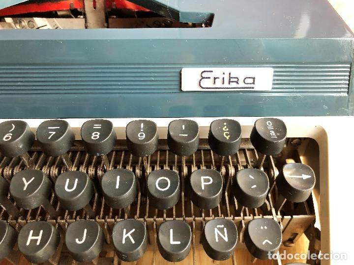 Antigüedades: Maquina de escribir Erika , con su Maletín de transporte. - Foto 4 - 120039403