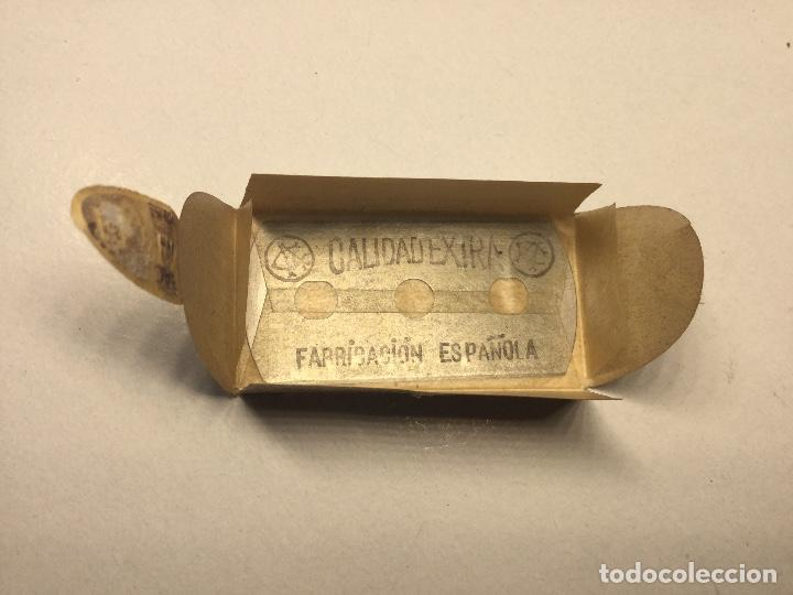 Antigüedades: antigua cuchilla hoja de afeitar el fenix made in spain hoja fenix nueva sin abrir - Foto 5 - 136314862