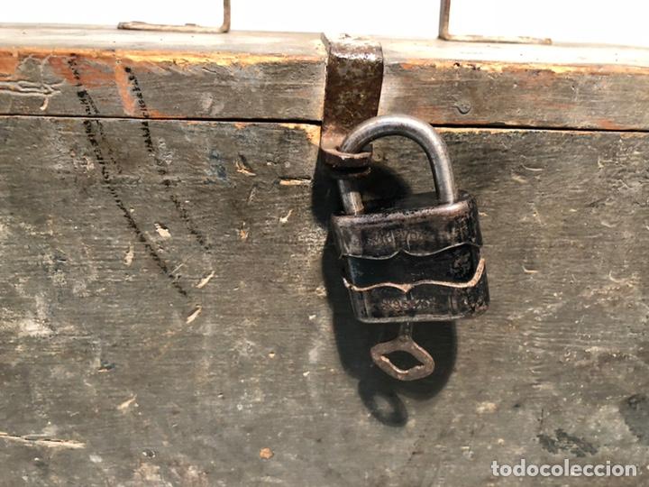 Antigüedades: CAJA DE HERRAMIENTAS DE MADERA ANTIGUA. - Foto 2 - 136377366