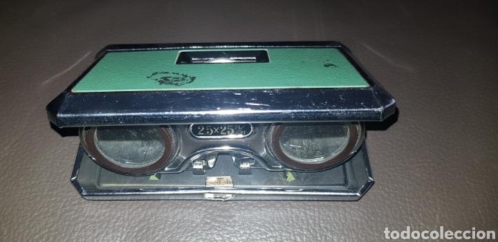 PRISMÁTICOS BINOCULARES PETACA PLEGABLES AÑOS 70 COLOR VERDE 2,5X25 MARCA EIKOW JAPAN (Antigüedades - Técnicas - Instrumentos Ópticos - Prismáticos Antiguos)