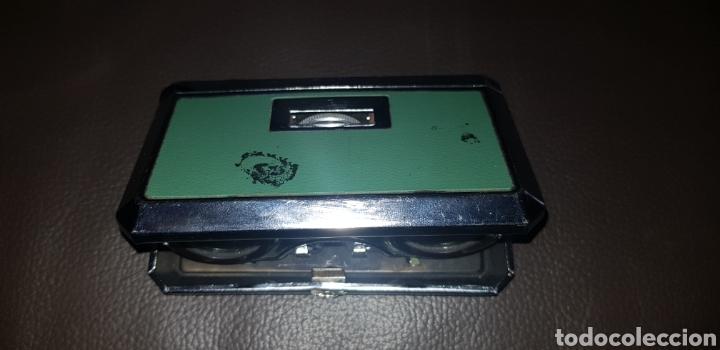 Antigüedades: PRISMÁTICOS BINOCULARES PETACA PLEGABLES AÑOS 70 COLOR VERDE 2,5X25 MARCA EIKOW JAPAN - Foto 2 - 136469752