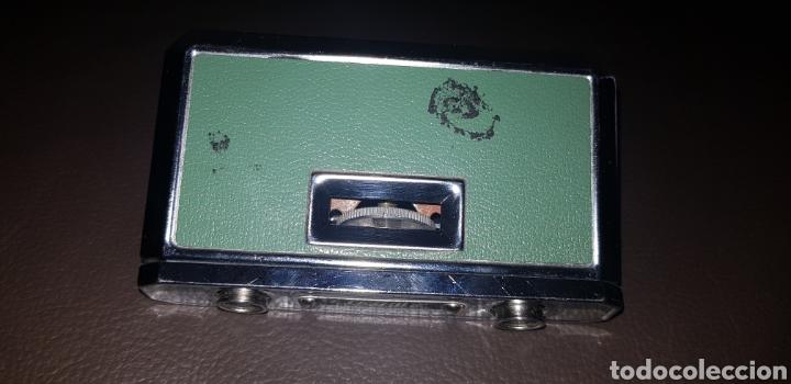 Antigüedades: PRISMÁTICOS BINOCULARES PETACA PLEGABLES AÑOS 70 COLOR VERDE 2,5X25 MARCA EIKOW JAPAN - Foto 4 - 136469752