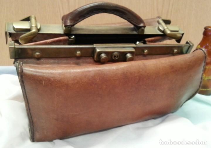 calidad asombrosa muchos de moda diversificado en envases Maletín médico antiguo + conjunto de instrumental médico.