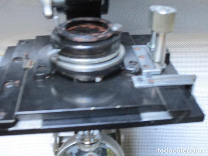 Antigüedades: ANTIGUO MICROSCOPIO BINOCULAR MODELO ' CAJAL 689 ' DELOS 40'S ? - 7 LENTES - LABORATORIO OPTICA - Foto 7 - 136499434