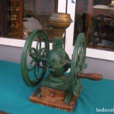Antigüedades: MOLINILLO DE CAFÉ DE DOBLE RUEDA GOLDENBERG ZORNHOFF. Lote 136528706
