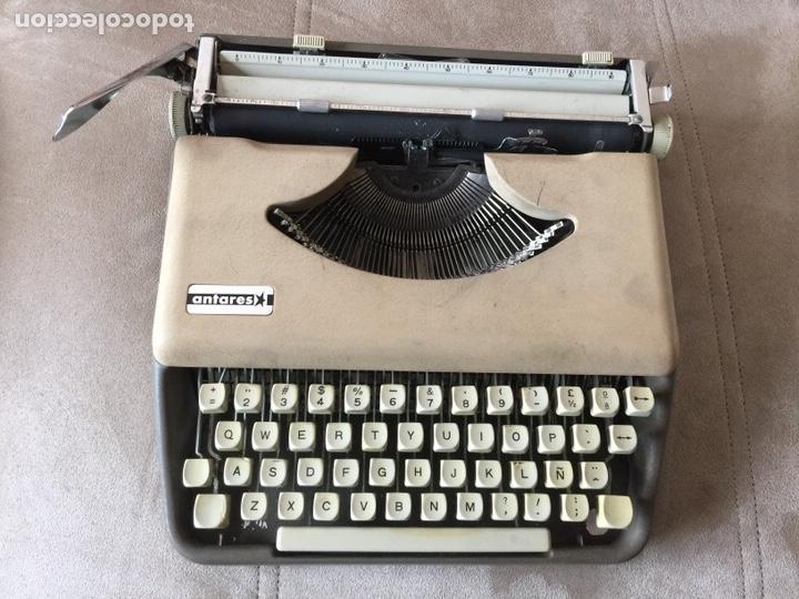 MAQUINA DE ESCRIBIR PORTATIL - ANTARES CON MALETA DE TRANSPORTE (Antigüedades - Técnicas - Máquinas de Escribir Antiguas - Otras)