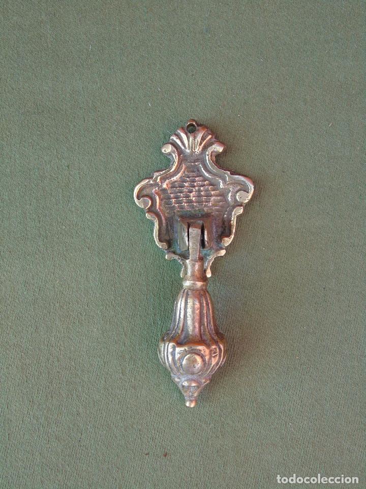 ANTIGUO TIRADOR PEQUEÑO DE BRONCE (Antigüedades - Técnicas - Cerrajería y Forja - Tiradores Antiguos)