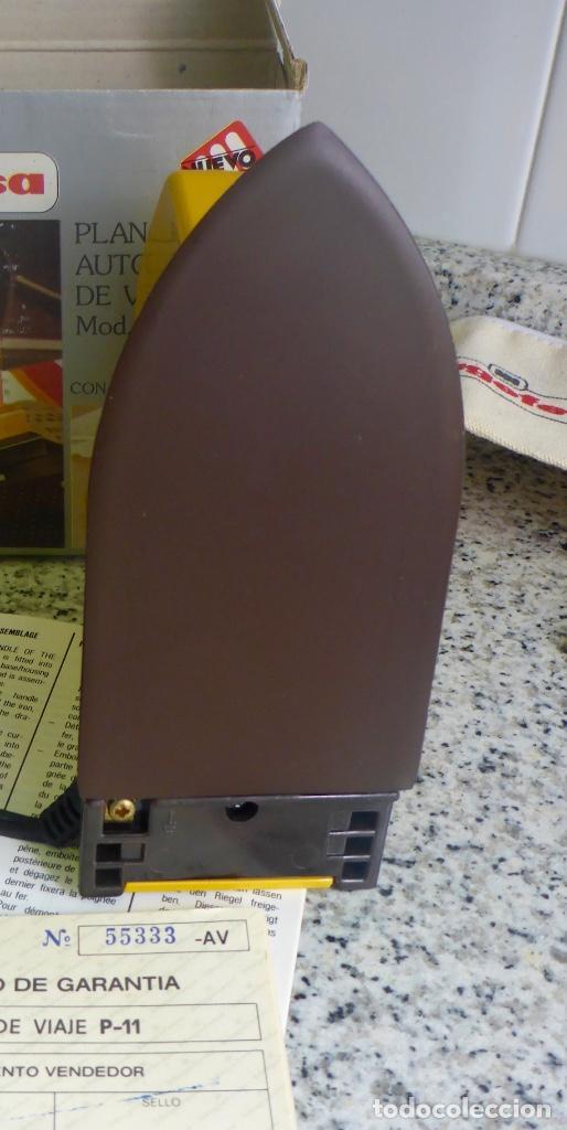 Antigüedades: Plancha viaje plegable Magefesa P11. Caja, funda y accesorios. Bitension. Años 70. Impecable. - Foto 8 - 137111126