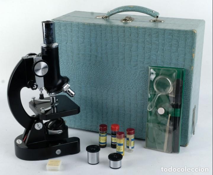 MICROSCOPIO FAVILA CON ACCESORIOS EN SU ESTUCHE AÑOS 80 (Antigüedades - Técnicas - Instrumentos Ópticos - Microscopios Antiguos)