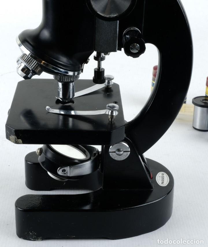 Antigüedades: Microscopio Favila con accesorios en su estuche años 80 - Foto 3 - 137143206