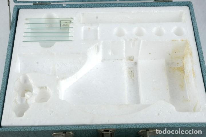 Antigüedades: Microscopio Favila con accesorios en su estuche años 80 - Foto 9 - 137143206