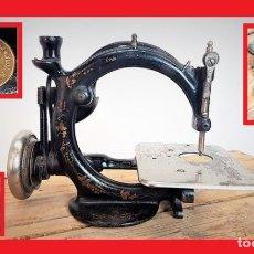 Antigüedades: MÁQUINA DE COSER - WILLCOX & GIBBS, U.S.A, CA.1880 - HIERRO (FUNDIDO/FORJADO). Lote 116583651