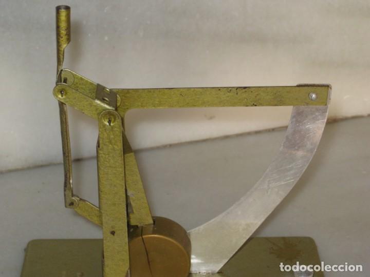 Antigüedades: Antigua balanza pesa cartas - Foto 8 - 137327742